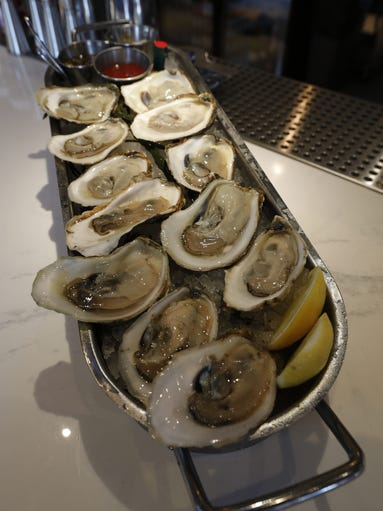 A look inside izzy 39 s fish oyster for Izzys fish and oyster