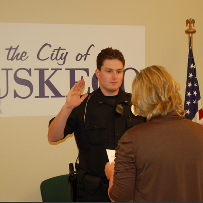 Muskego, New Berlin police report fewer applicants