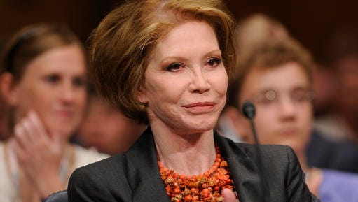 This June 24, 2009 file photo shows actress Mary Tyler Moore before the Senate Homeland Security and Governmental Affairs Committee hearing on Type 1 Diabetes Research on Capitol Hill in Washington. Moore died Wednesday, Jan. 25, 2017, at age 80. (AP Photo/Susan Walsh, File)