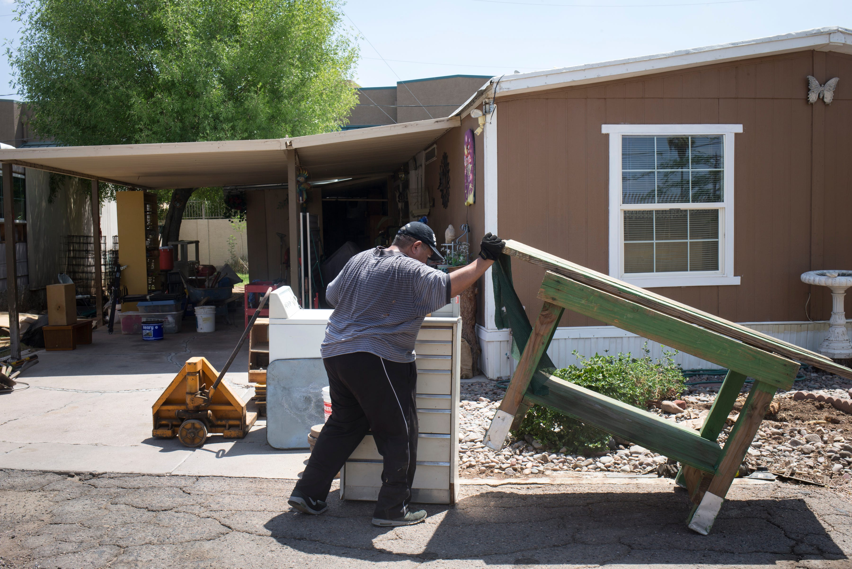 as land values rise in phoenix area mobile home parks disappear rh azcentral com Used Mobile Homes Phoenix Area Manufactured Homes in Phoenix