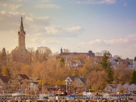 Elkhart Lake is sandwiched between Lake Michigan and the picturesque hills of the Kettle Moraine State Forest.