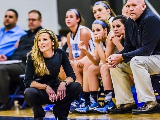 Everett vs Lansing Catholic Girls Basketball