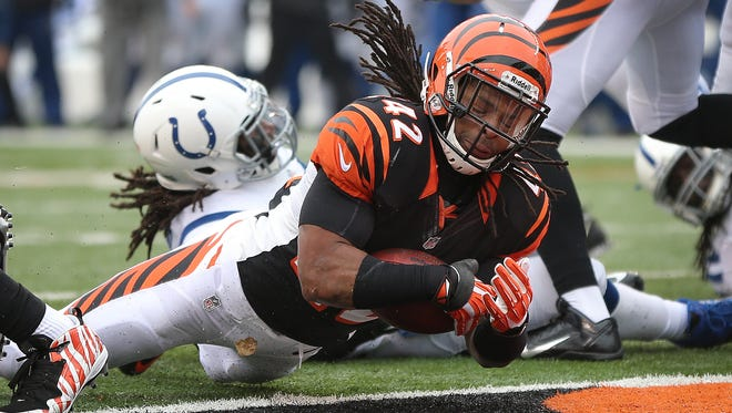 Bengals RB BenJarvus Green-Ellis falls into the end zone Sunday for a TD that probably shouldn't have counted.