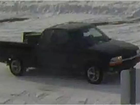 The suspect's vehicle was identified as having no tailgate