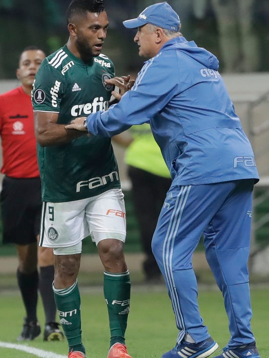 Brazil_Chile_Soccer_Copa_Libertadores_57694.jpg