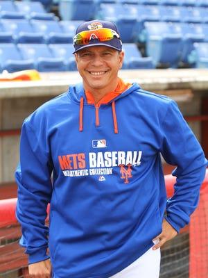 Binghamton Mets manager Pedro Lopez