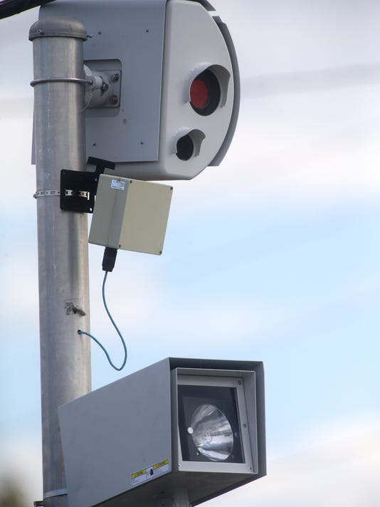 02-red light traffic cameras.jpg