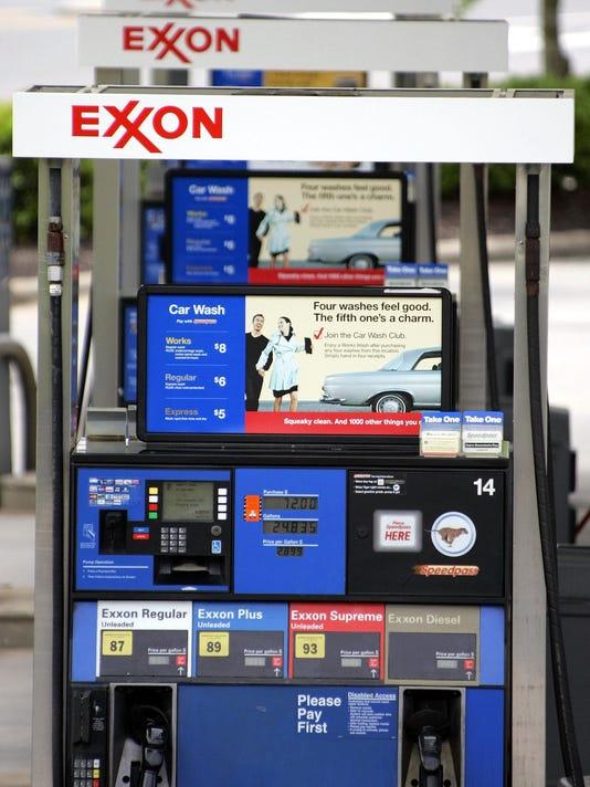 -as28-gas_prices-0406n_04-28-2006_K8D0TCS.jpg_20060428.jpg