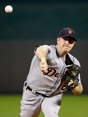Tigers pitcher Jordan Zimmermann throws during the first inning of the Tigers' 7-4 loss to the Royals on Wednesday, Sept. 27, 2017, in Kansas City, Mo.