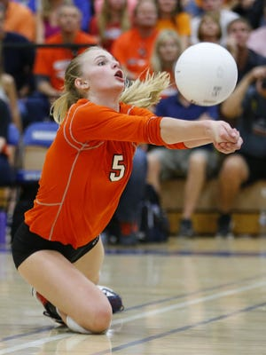Corona del Sol's Brooke Nuneviller  dives for a ball against Mountain Pointe in the high school 6A Conference volleyball state championship match Wednesday, Nov. 9, 2016 in Gilbert,  Ariz.