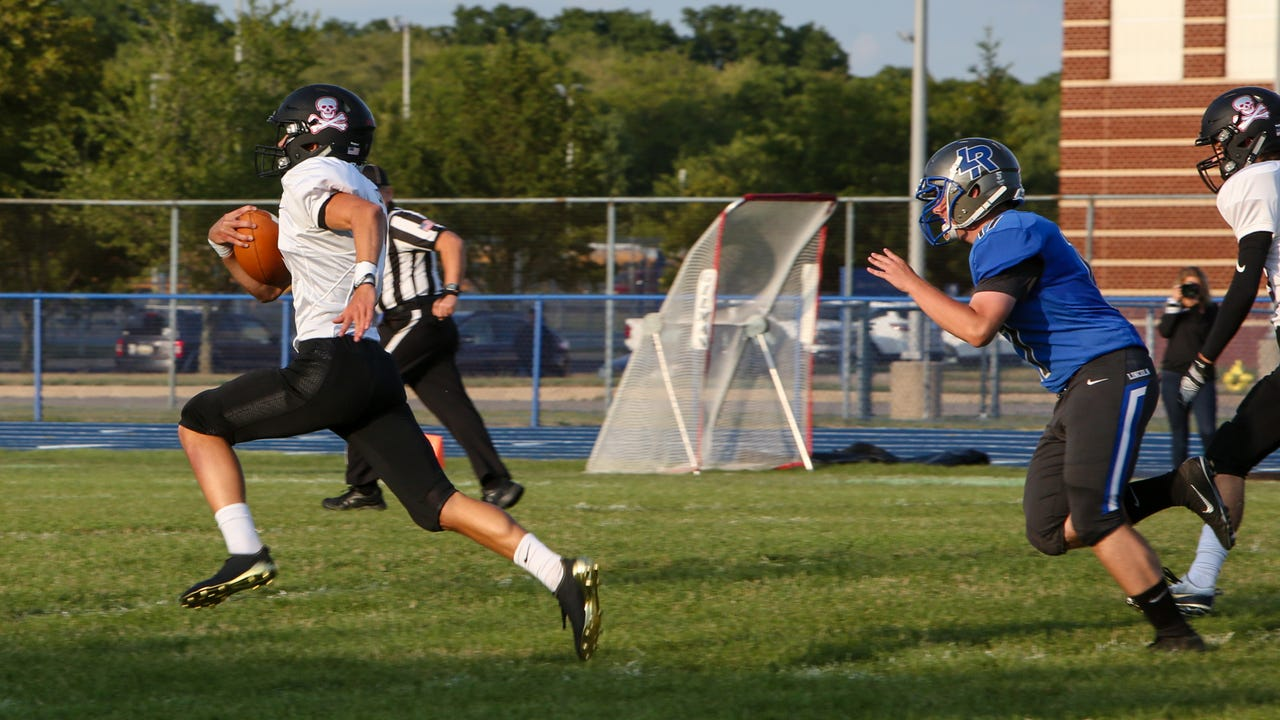 Pinckney had three touchdowns of 49 yards or more in a 30-21 victory at Ypsilanti Lincoln.