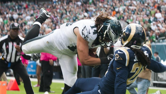 The Eagles' Riley Cooper makes the catch for a touchdown in the second quarter.