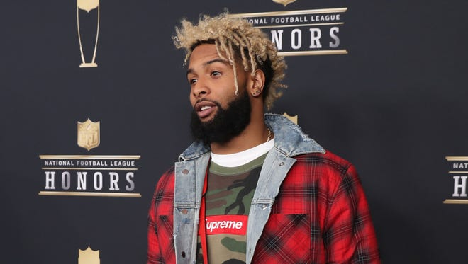Giants wide receiver Odell Beckham Jr. was among several players to walk the red carpet at the NFL Honors show in Minneapolis prior to Super Bowl LII.