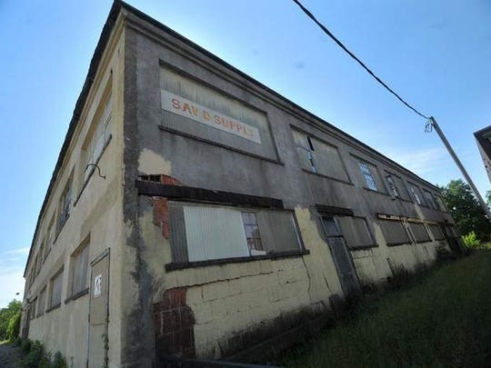 MetroPlains of Minneapolis is looking to convert Wausau's old Sav-O Supply building on First Street into loft-style apartments.