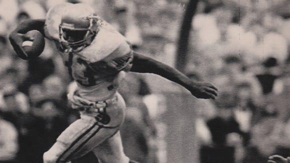 FSU's Sammie Smith goes in the air during the Seminoles? win at Clemson in 1988.