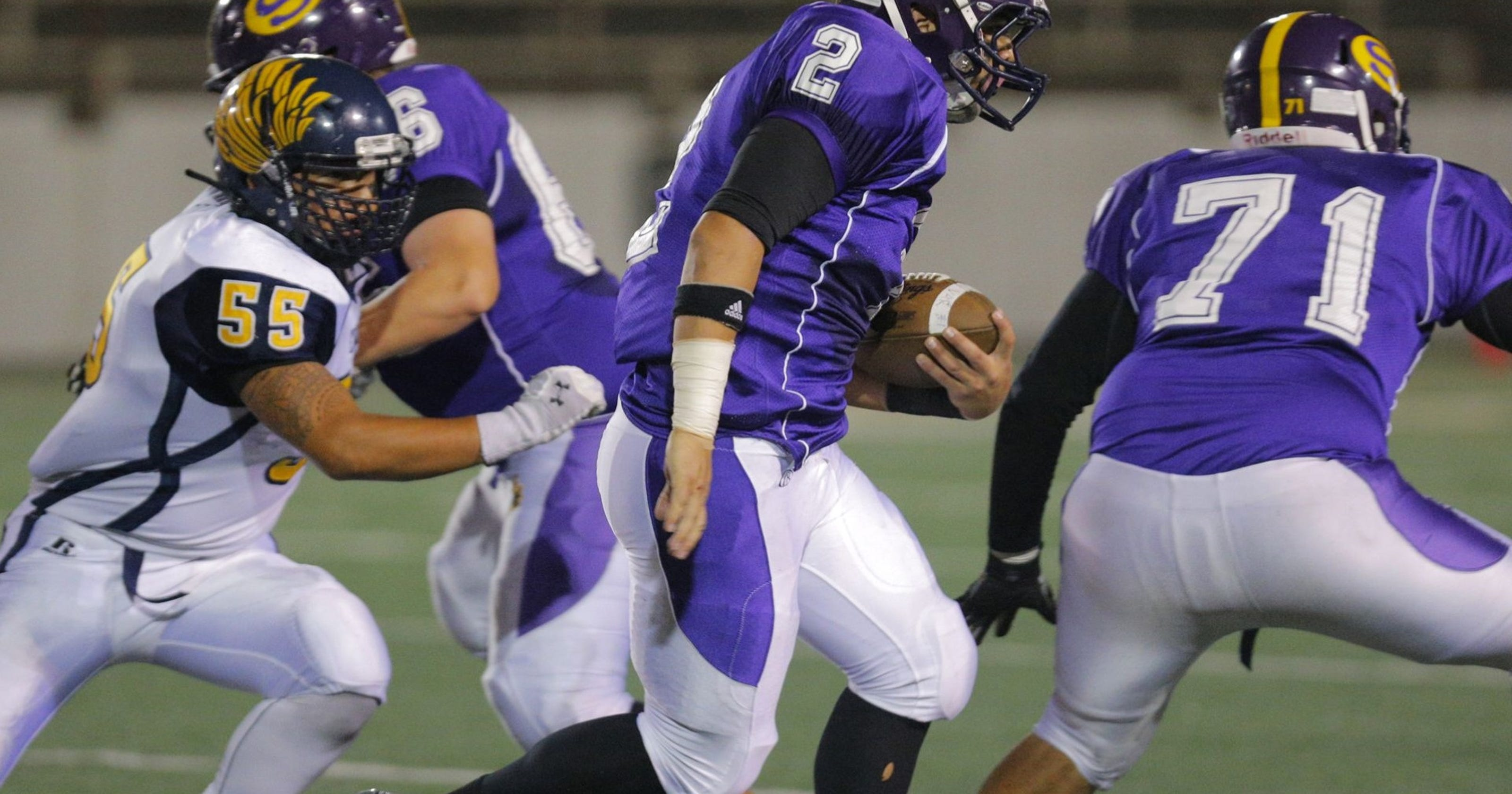 Live updates salinas hollister in ccs division i final for Hollister live chat
