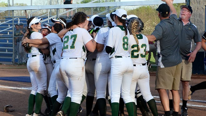 The Howell softball team will head to Dexter on Saturday seeking a district championship.
