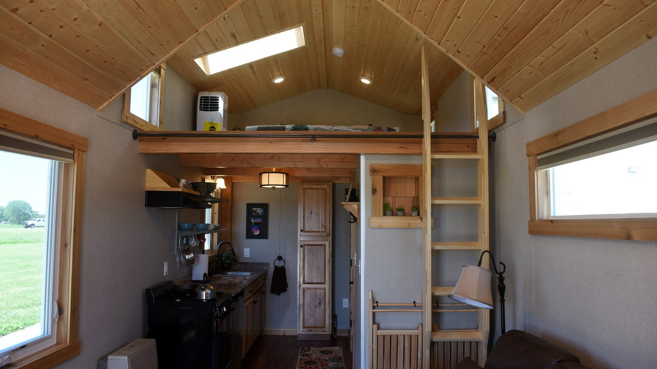 Awe Inspiring Video Tour Vermillion Tiny House Largest Home Design Picture Inspirations Pitcheantrous