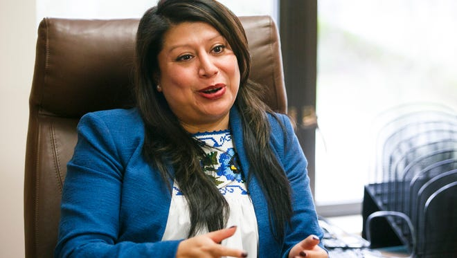 Rep. Teresa Alonso Leon request calls for ICE to share its activities, directives, and correspondence in relation to its operations in Oregon.