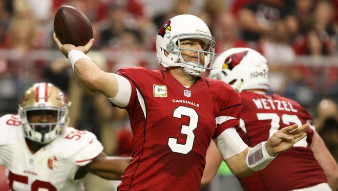 Cardinals Carson Palmer throws a pass against the 49ers in the 2nd quarter on Nov. 13, 2016 in Glendale, Ariz.