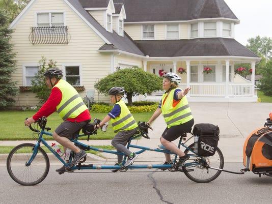 636313316951092906-Family-bike-trek-01.jpg