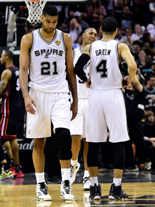 6-9-tim-duncan-heat-spurs-game-2