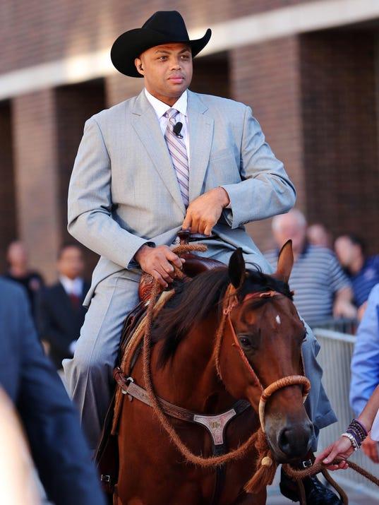 10-16-charles-barkley-horse