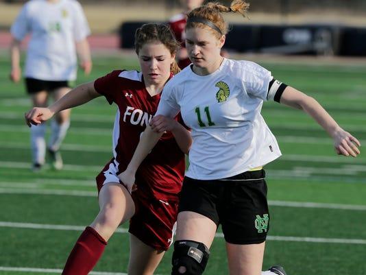 636602029253214237-OSH-ON-Girls-Soccer-v-Fond-du-Lac-042418-JS-0099B.jpg