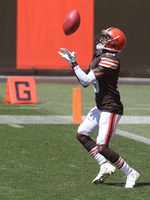 JoJo Natson returns a kickoff during Browns practice at FIrstEnergy Stadium on Sunday, Aug. 30, 2020, in Cleveland, Ohio.