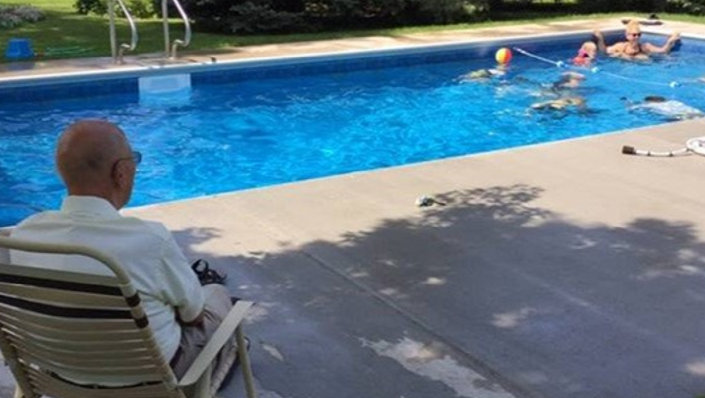 94 year old turns grief into joy with addition of backyard for Pool durchmesser 4 50