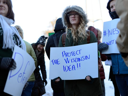 UWGB students rally against Walker's proposed cuts