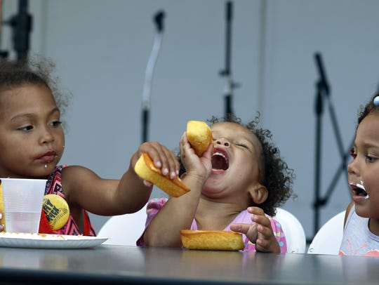 From left: Siblings Dajanell Ezell, Laylah House and
