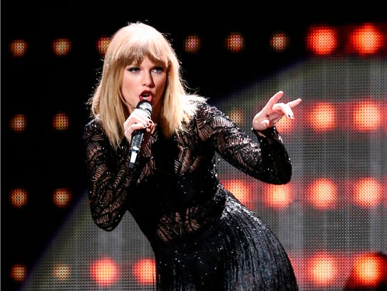 Taylor Swift's Reputation Stadium Tour kicks off in