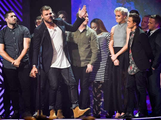 Hillsong UNITED accept the Worship Album of the Year