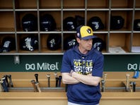 Yelich, Brewers look for another playoff season