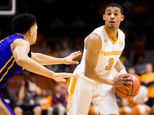Tennessee guard James Daniell III (3) looks for an