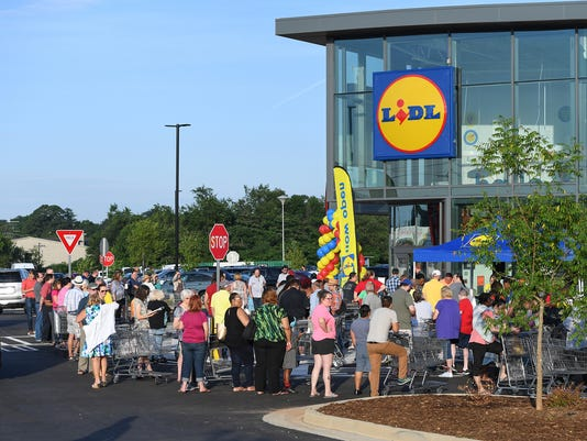 Lidl grocery store grand opening