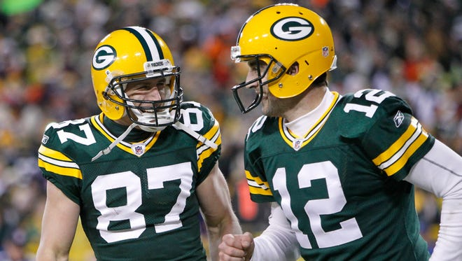 Packers QB Aaron Rodgers struggled, by his standards, without injured WR Jordy Nelson (87) in 2015.