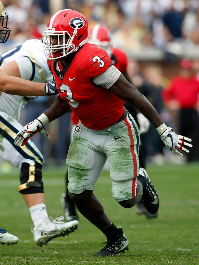 Linebacker Roquan Smith drives Georgia's defense