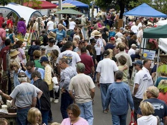 The annual Lewiston Peddlers Faire takes place 9 a.m.