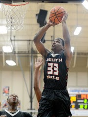 South Side's Dee Robinson goes up for a shot during