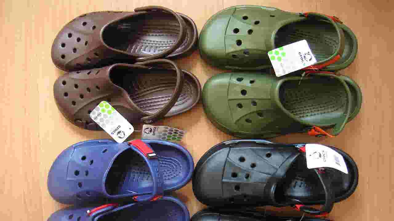 7031d5da2f5d2 Crocs to close last of manufacturing plants