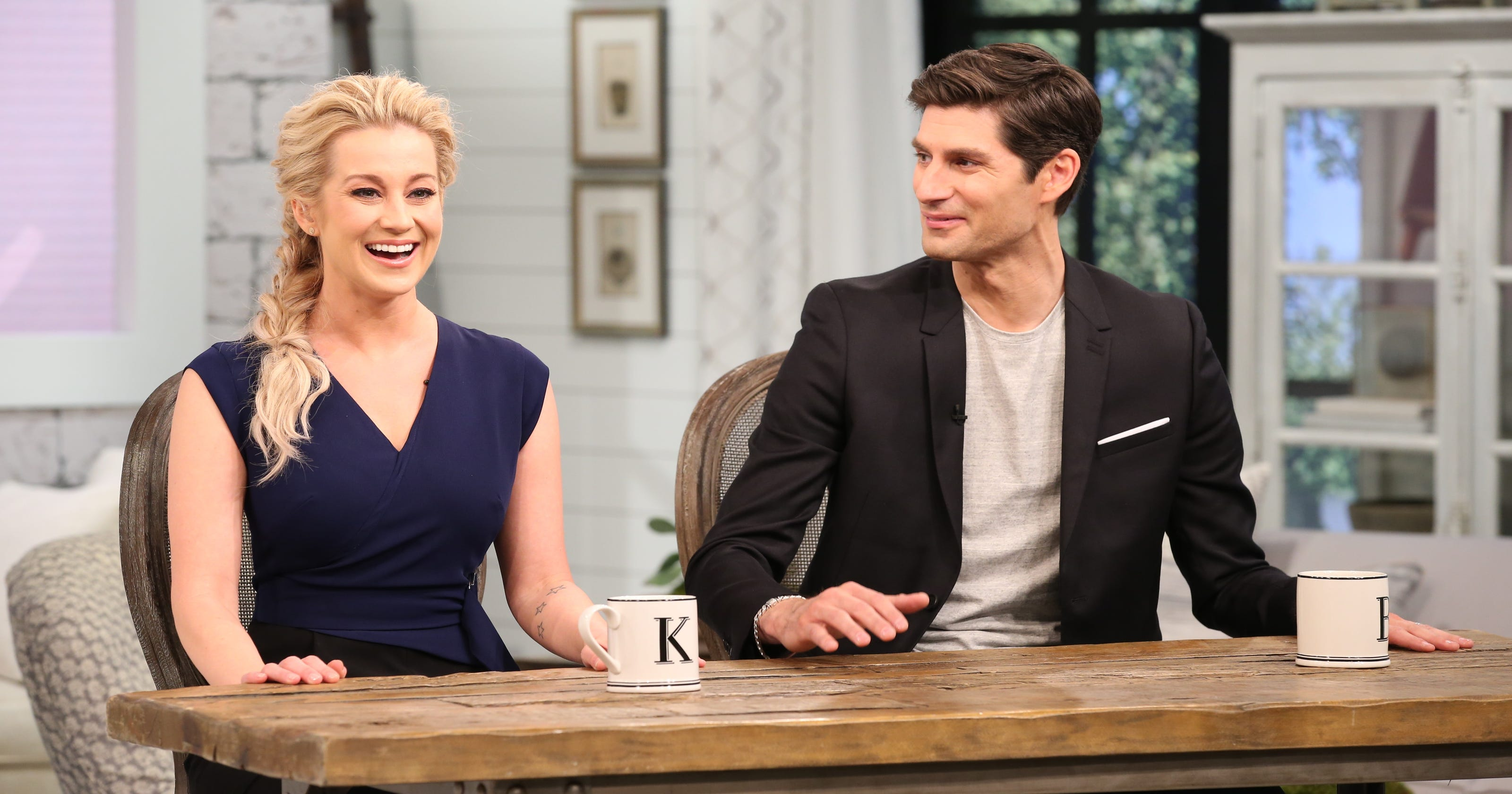 Pickler and Ben' bring Faith Hill's talk show to life