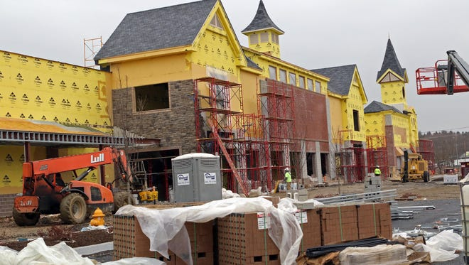 Construction of the new Wegmans continues just north of the Delaware border in Glen Mills, Pa.  The store, scheduled to open Nov. 8, will employ 525 employees.