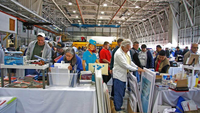 Aviation and Airline collectible show event.