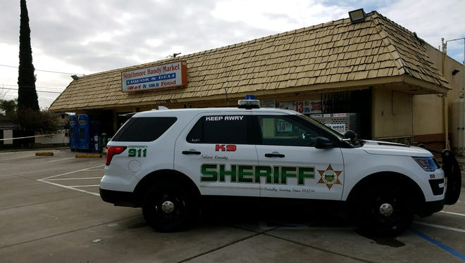 Tulare County sheriff deputies are searching for the person responsible for robbing a Strathmore business on Friday.