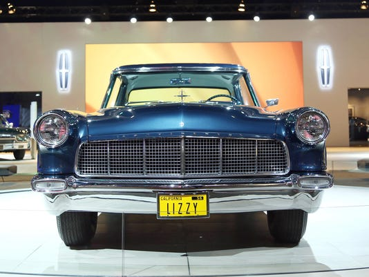 Photos: Lincoln Continental through the years