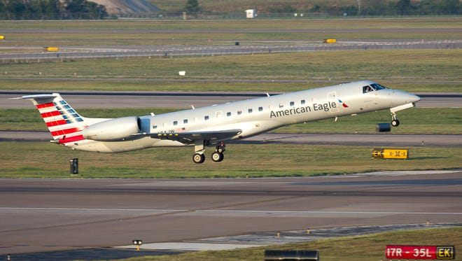 An American Eagle Embraer ERJ-145 regional jet takes off from Dallas/Fort Worth International Airport on Aug. 5, 2015.