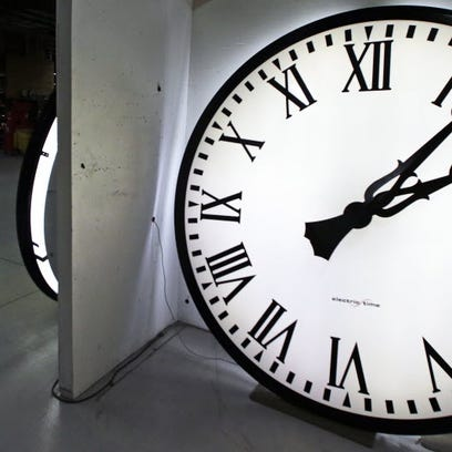 Daylight Saving Time poses a challenge for columnist