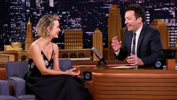 Candid interviewee Sarah Paulson appeared on 'The Tonight
